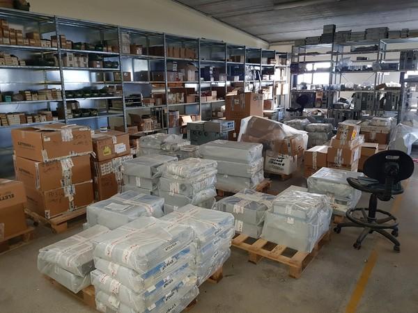 1#4991 Materie prime e apparecchiature elettroniche