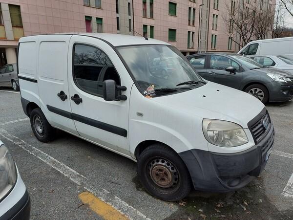 Immagine n. 1 - 3#5017 Autocarro Fiat Doblò
