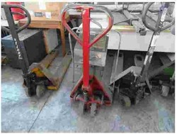 Office furniture and pallet truck - Lot 7 (Auction 50210)