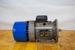 Motori elettrici trifase Cantoni Fimet e riduttori Siti - Lotto 0 (Asta 5027)