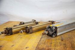 Waircom pistons - Lot 37 (Auction 5027)
