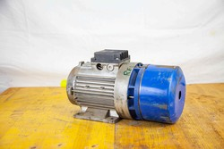 Electric motor - Lot 38 (Auction 5027)