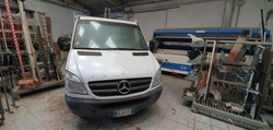 Mercedes truck - Lot 401 (Auction 5029)
