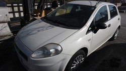 Fiat Punto car - Lot 22 (Auction 5037)