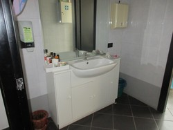 Bathroom furniture - Lot 5 (Auction 5042)