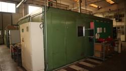 Martellatrice e cabina insonorizzazione martellatrice