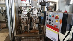 Column drill and grinding machine - Lote 186 (Subasta 5049)
