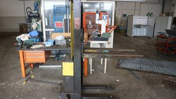 Electrical pallet trucks and manual pallet trucks - Lot 249 (Auction 5049)