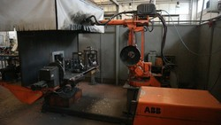 Abb welding robot - Lot 30 (Auction 5049)