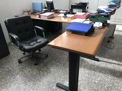 Arredi e attrezzature ufficio