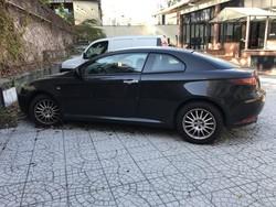 Automobile Alfa Romeo GT