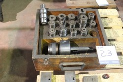 Spindle for threading and accessories - Lote 23 (Subasta 5074)