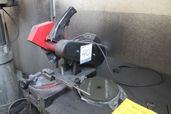 Bench miter saw - Lot 40 (Auction 5074)