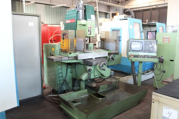 5#5074 Fresatrice Universale CNC Kondia