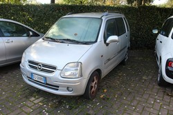 Autovettura Opel Agila