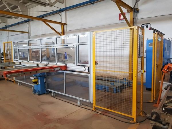 1#5081 Punzonatrice robotizzata Eme e centro di lavoro SCM