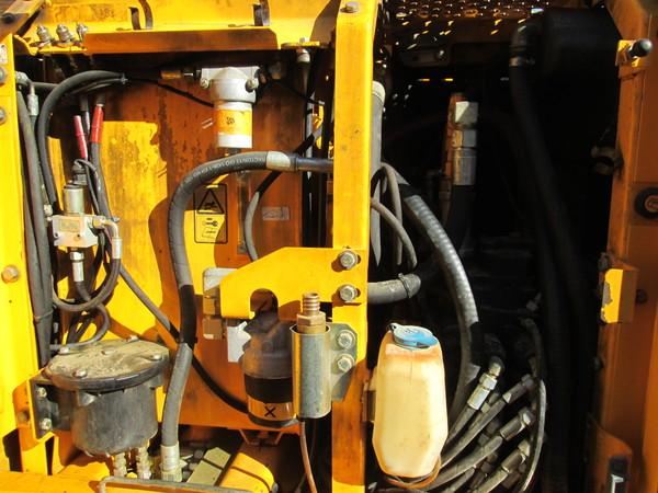Immagine n. 27 - 15#5085 Escavatore cingolato JCB