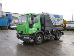 Iveco vehicle with Schmidt sweeper setup - Lot 27 (Auction 5085)