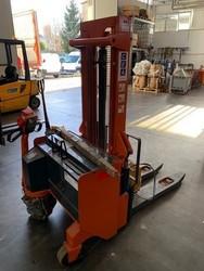 CEA pallet truck - Lot 0 (Auction 5096)