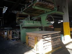 Gluing line - Lot 31 (Auction 5098)