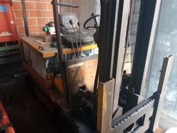 Tudor forklift truck - Lot 59 (Auction 5098)