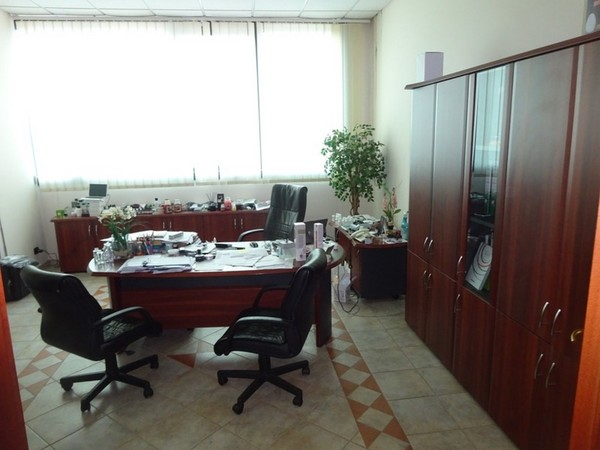 1#5111 Arredi e attrezzature da ufficio
