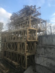 Fari tower crane and three towers for TGM crane - Lote 0 (Subasta 5119)