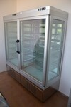 Pastry display cabinet - Lot 31 (Auction 5156)
