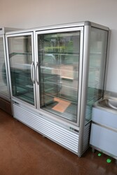 Water cooled showcase - Lote 32 (Subasta 5156)