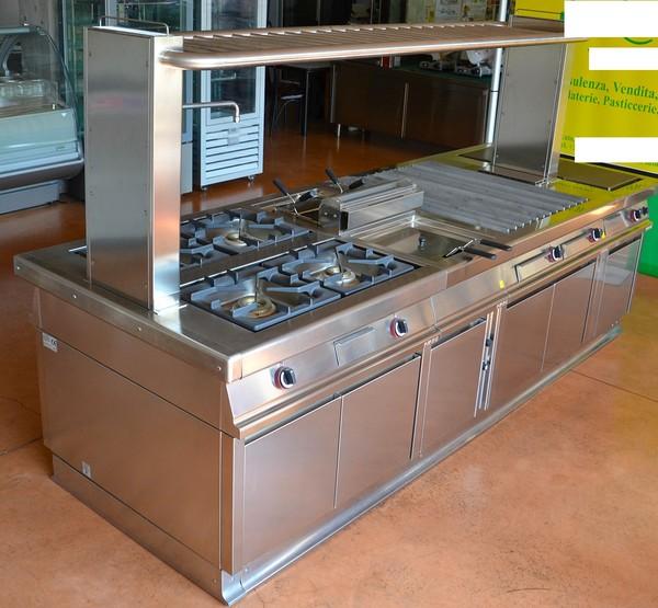 4#5156 Cucina centrale completa