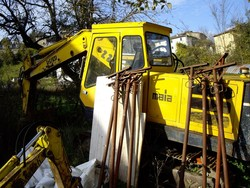 Laltesi crawler excavator - Lot 2 (Auction 5164)