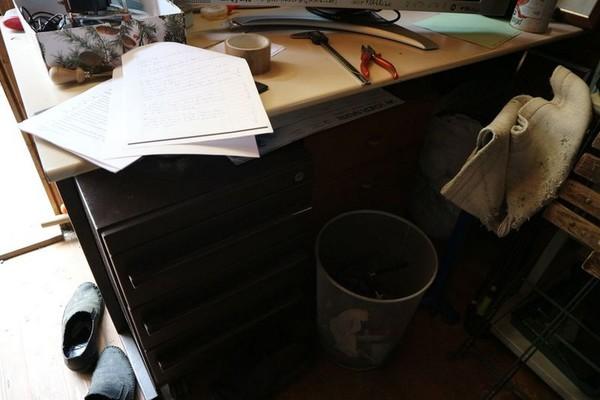 Lotto Casetta in legno e arredi ufficio