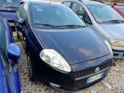 Fiat Grande Punto car - Lot 7 (Auction 5189)