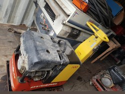 Construction equipment and containers - Lot 1 (Auction 5193)