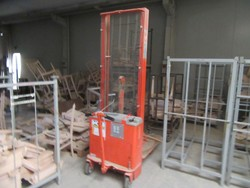 Incab forklift man down - Lot 32 (Auction 5195)