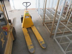 Pallet trucks - Lot 5 (Auction 5195)