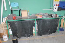 Yamato Workbench with vice and double grinding wheel - Lot 25 (Auction 5214)