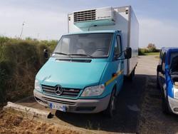 Mercedes 413 van - Lot 2 (Auction 5220)