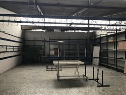 Metal shelves and trestles - Lote 4 (Subasta 5221)