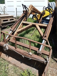 Front loader fork - Lot 21 (Auction 5235)