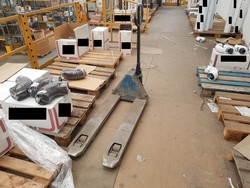 Pallet trucks and trolleys - Lot 16 (Auction 52510)