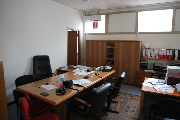 15#53000 Arredamento ufficio in vendita - foto 1