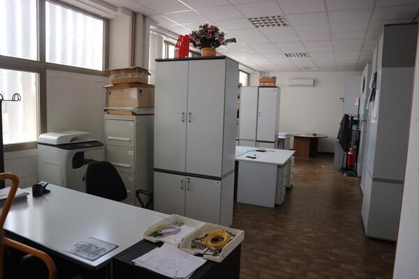 15#53000 Arredamento ufficio in vendita - foto 32