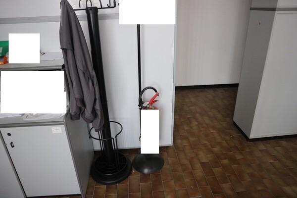 15#53000 Arredamento ufficio in vendita - foto 63