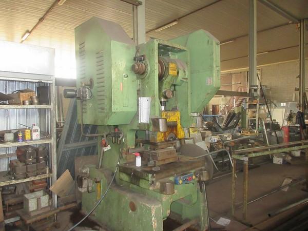 1#5308 Cessione di azienda dedita ad attività di fabbricazione di strutture metalliche