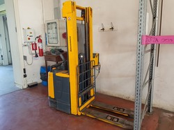 Electric stacker with battery charger - Lot 16 (Auction 5322)