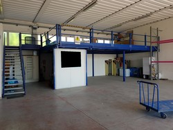 Iron mezzanine structure and heavy metal shelving - Lot 18 (Auction 5322)