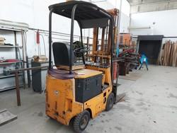 OM forklift truck - Lot 1 (Auction 5324)
