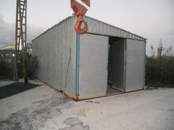 Sheet metal hut with equipment - Lot 8 (Auction 5325)