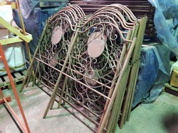 Wrought iron beds - Lot 19 (Auction 5372)